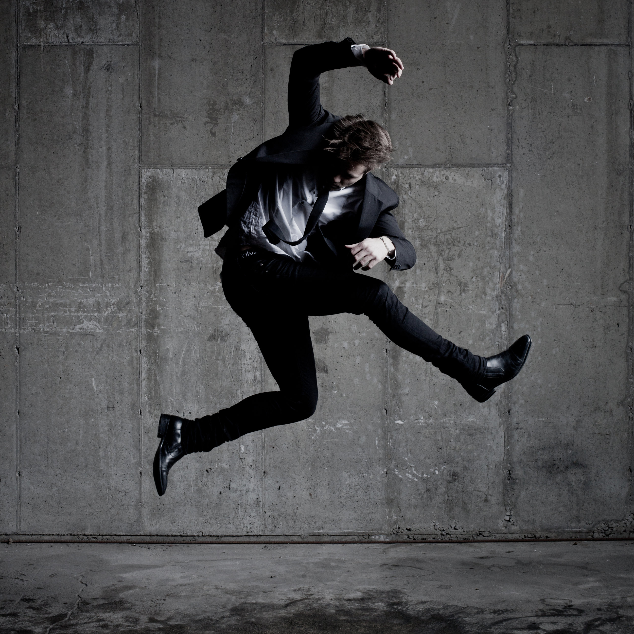 © duston-todd-mens-fashion-portrait-jumping.jpg