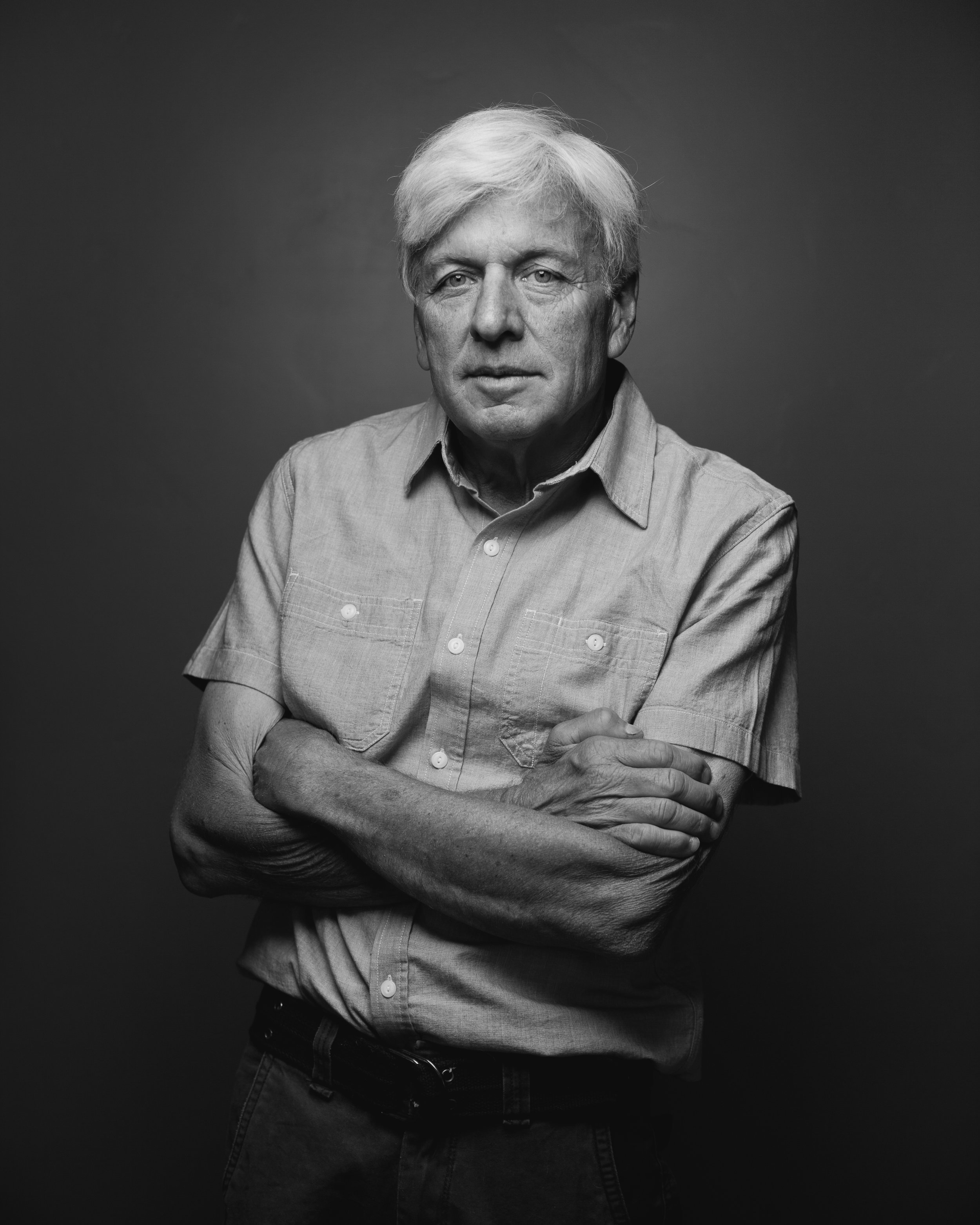 ©duston-todd-studio-portrait-man-black-white.jpg