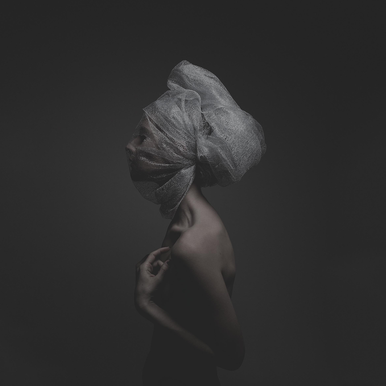 © duston-todd-studio-womens-fashion-low-key.jpg