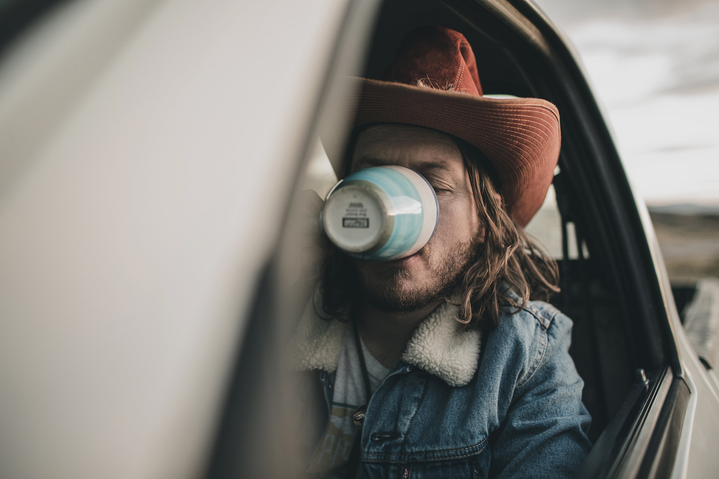 © duston–todd–country-cowboy–red-hat-coffee-13.jpg