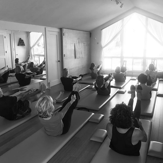 So much #awareness, so much #flow on a beautiful Saturday morning in #pacificgrove Everyone doing their personal #teaser based on what felt right for their bodies today, in this moment. I feel honored to guide such a wonderful group who are always up for some #selfexploration and fun! 😍 #pilates #pilateslove #movementlove #pilatesmat #pebblebeach #carmelbythesea #seasideca #montereyca