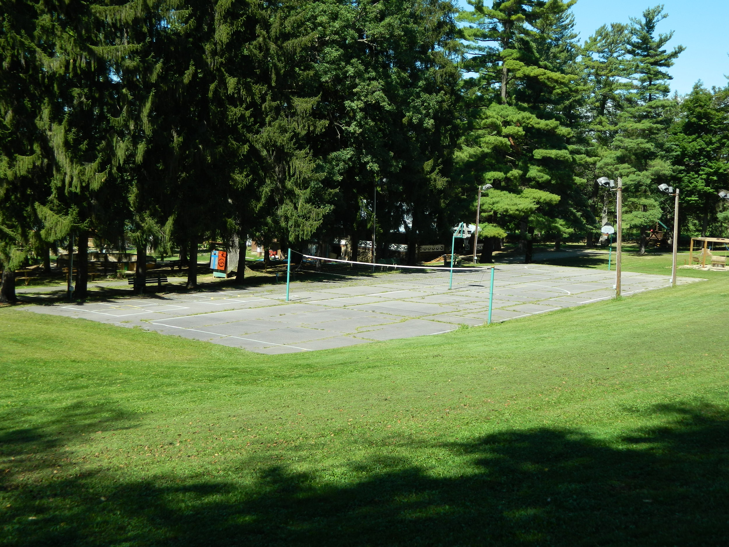 Basketball/Volleyball/4 Square Court