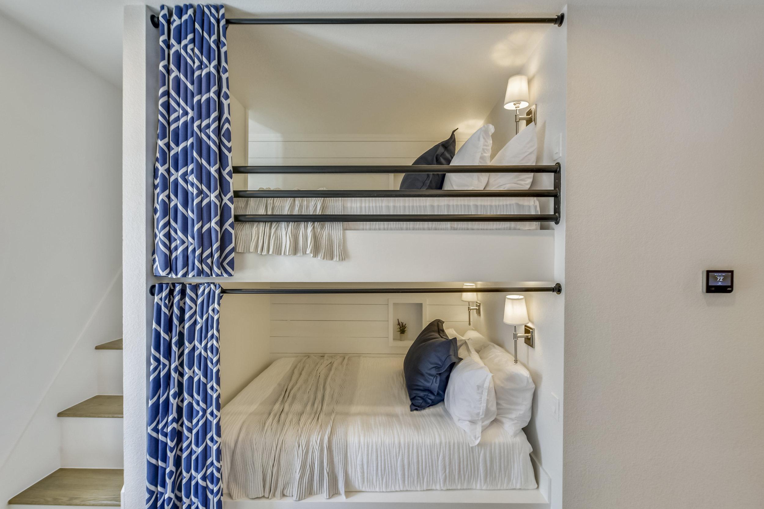 Lower Level-Bedroom-_DSC2759.JPG