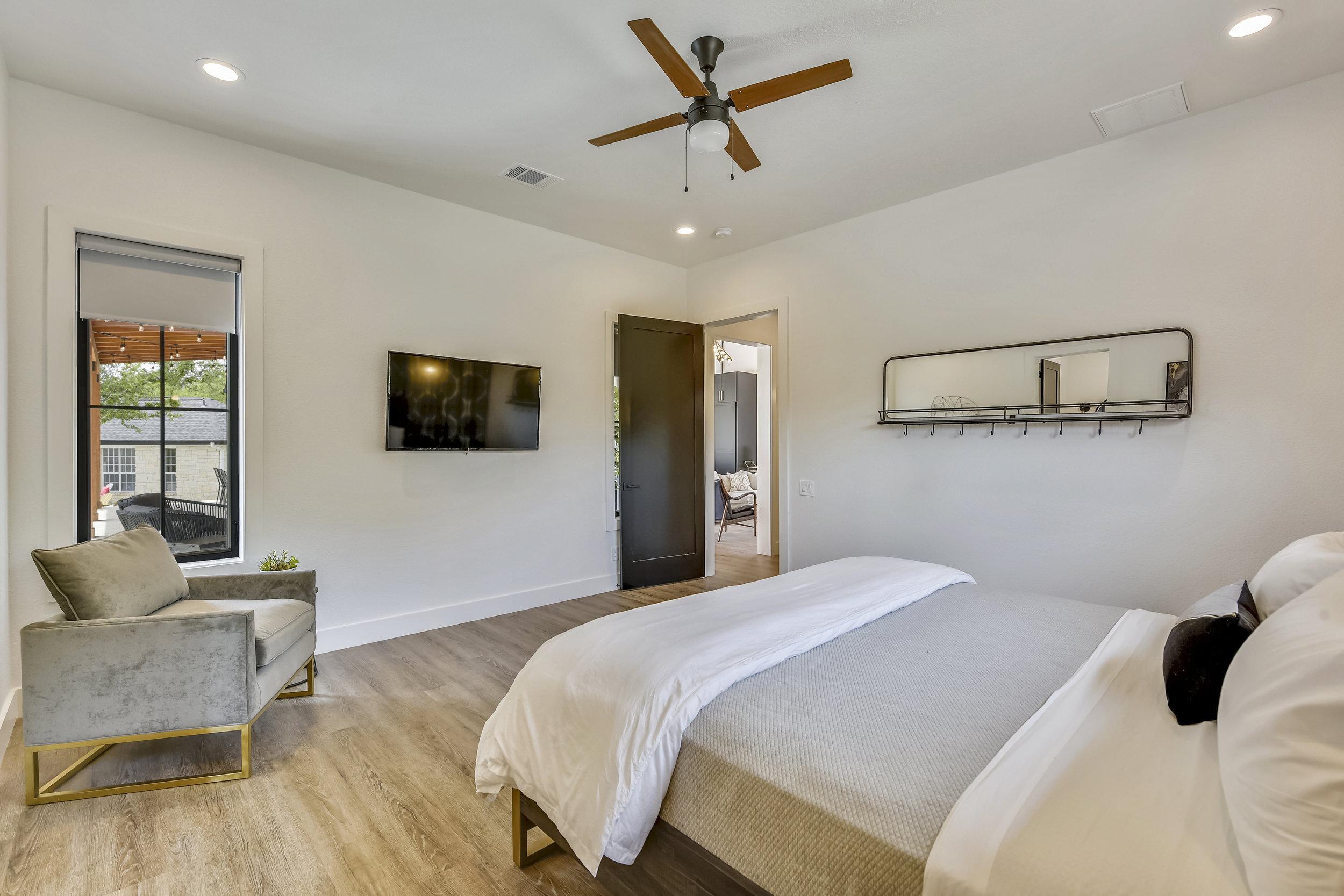 Lower Level-Bedroom-_DSC2829.JPG