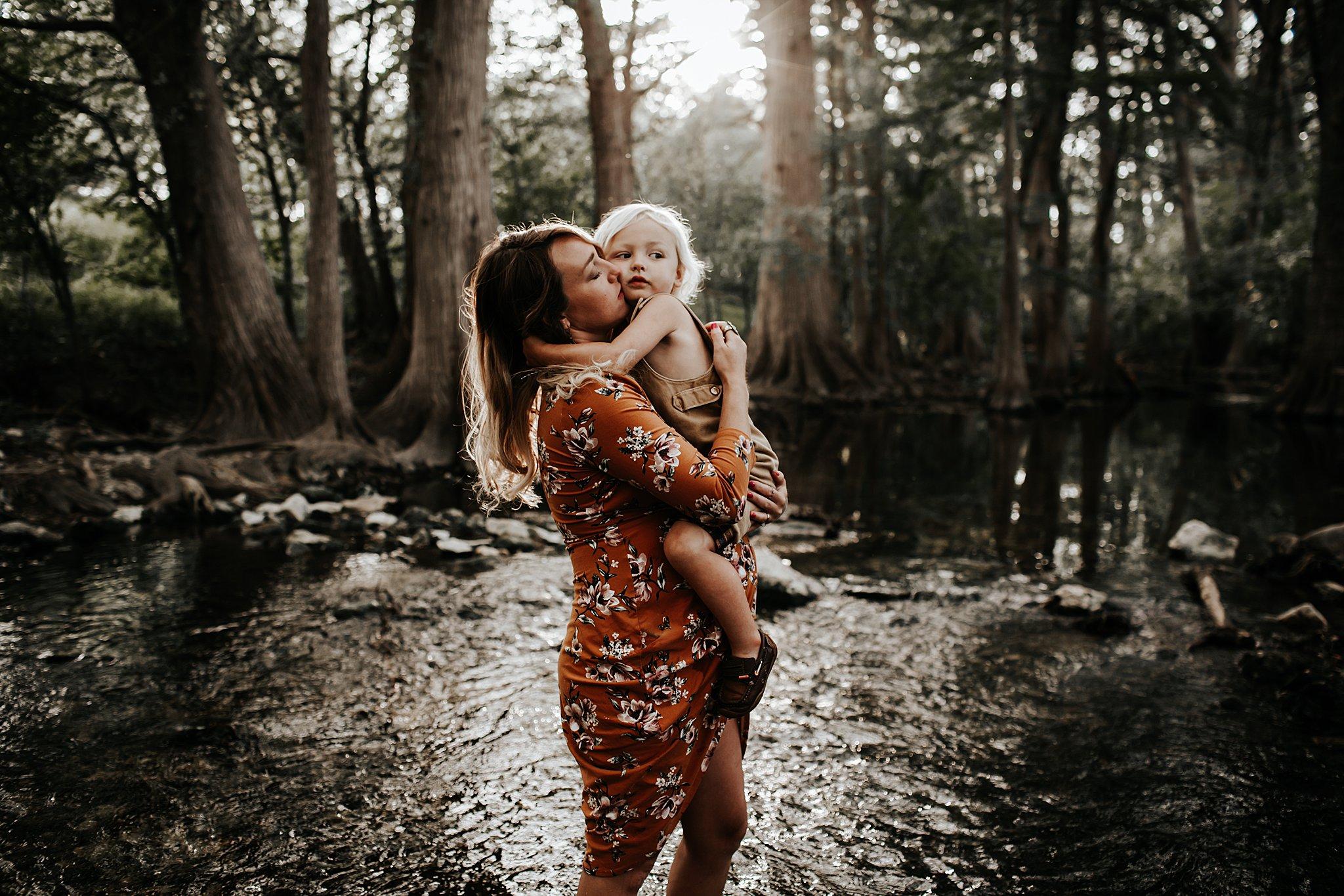 Shannon-San-Antonio-Maternity-Photographer-8_WEB.jpg