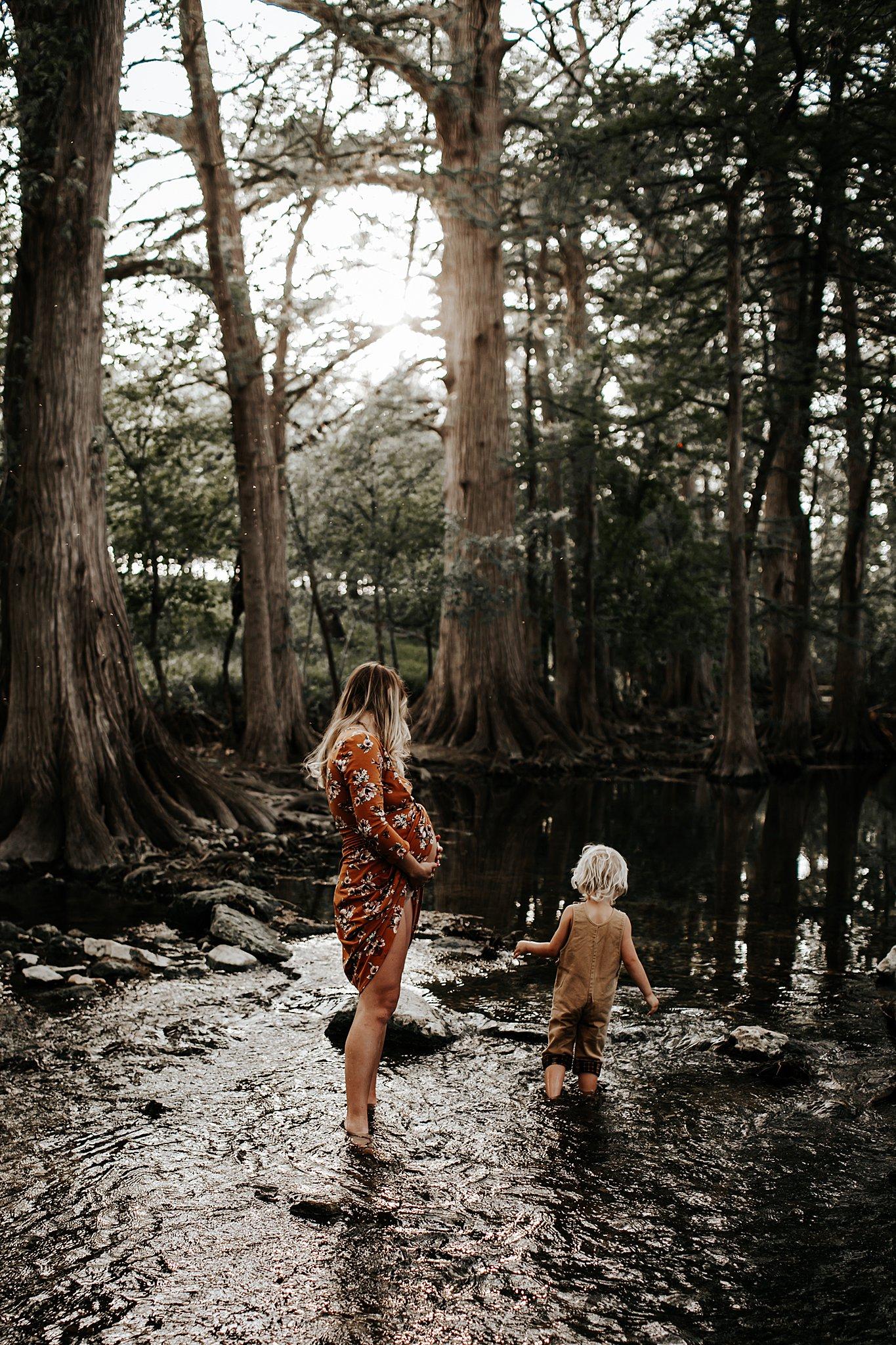 Shannon-San-Antonio-Maternity-Photographer-9_WEB.jpg