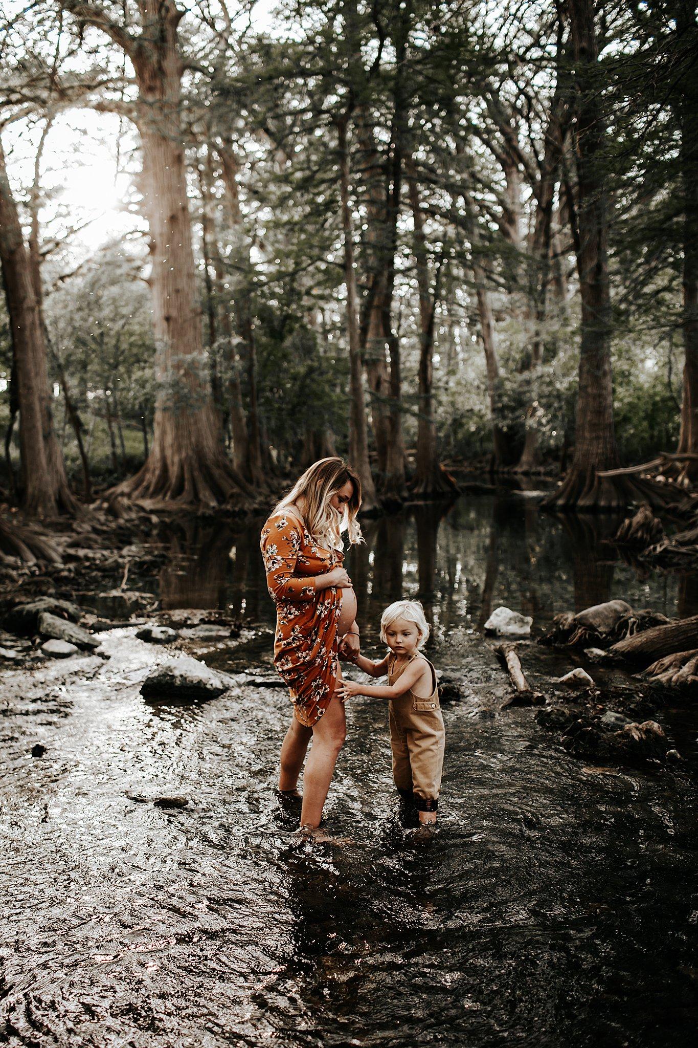 Shannon-San-Antonio-Maternity-Photographer-10_WEB.jpg