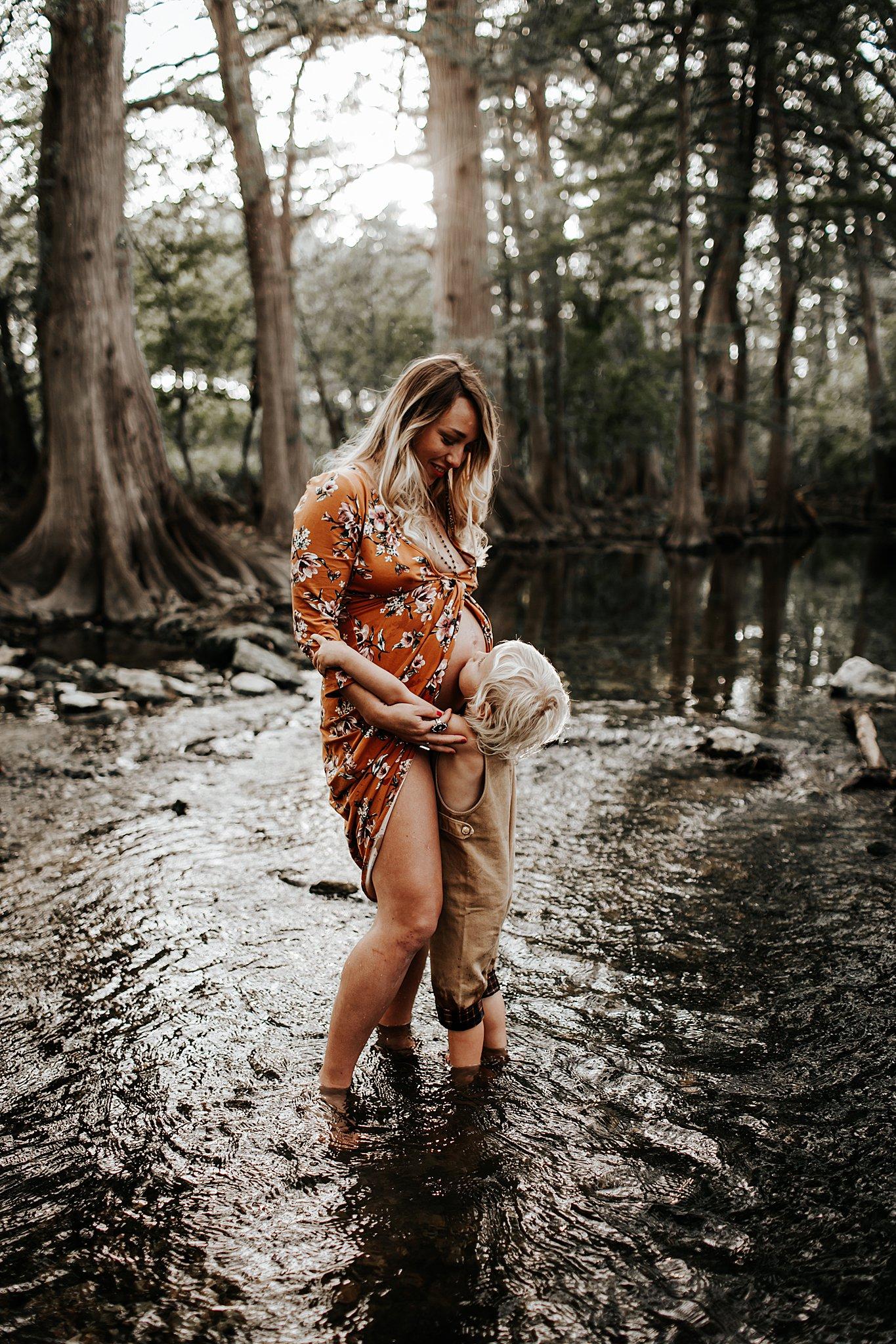 Shannon-San-Antonio-Maternity-Photographer-14_WEB.jpg