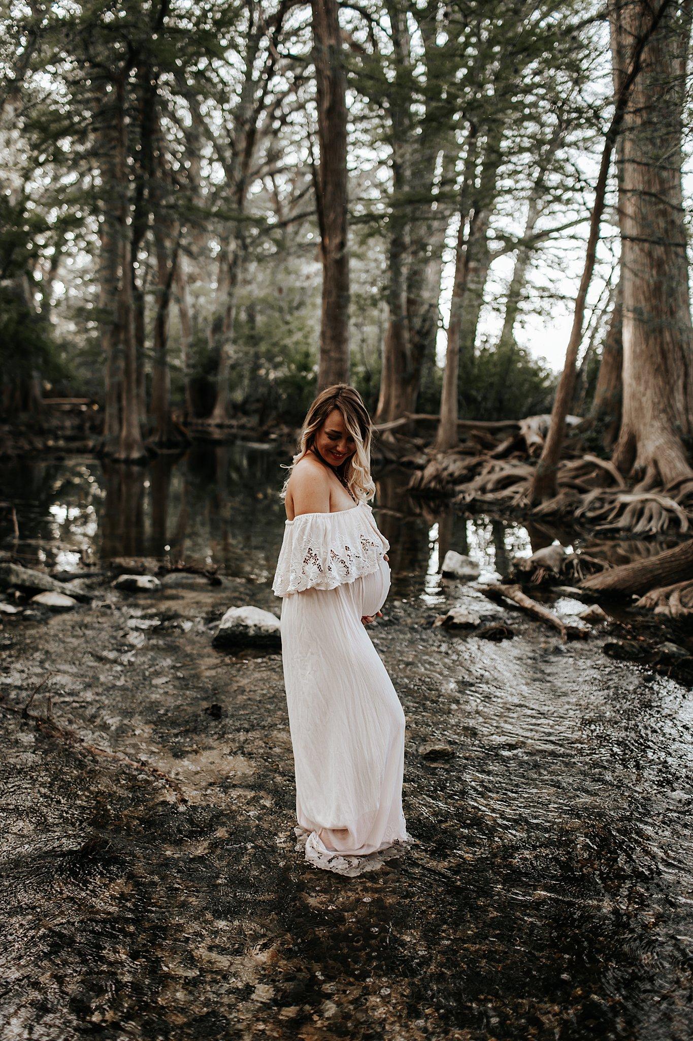 Shannon-San-Antonio-Maternity-Photographer-40_WEB.jpg