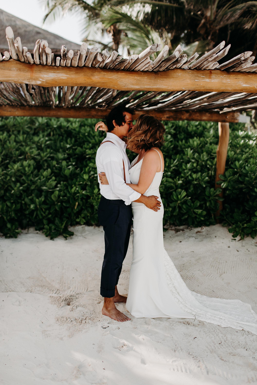 Danielle-San-Antonio-Wedding-Photographer-57_WEB.jpg