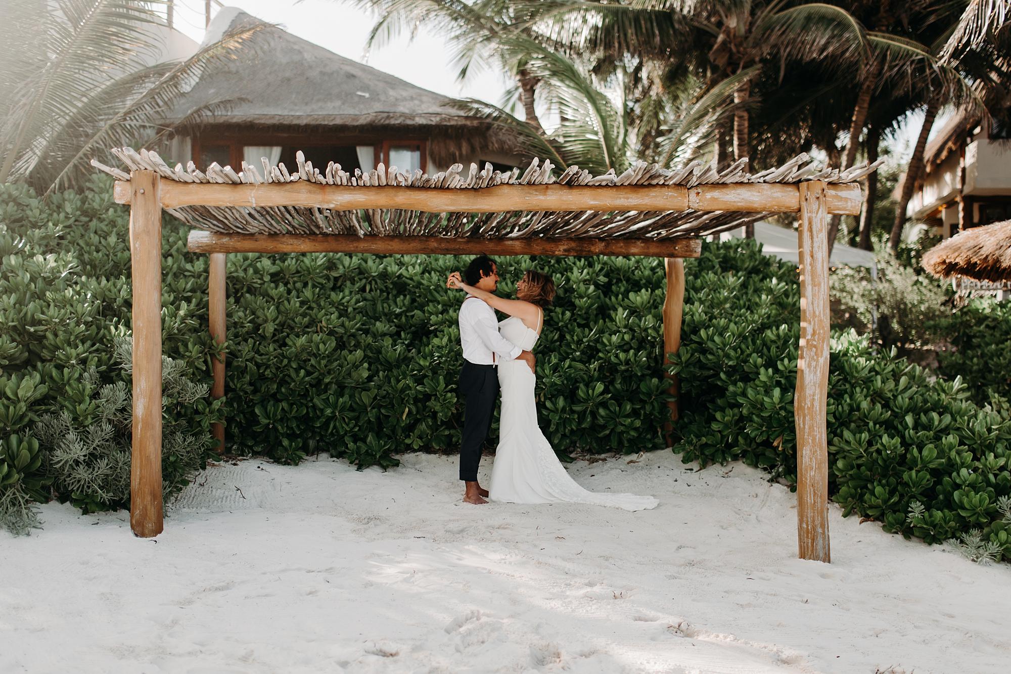 Danielle-San-Antonio-Wedding-Photographer-71_WEB.jpg