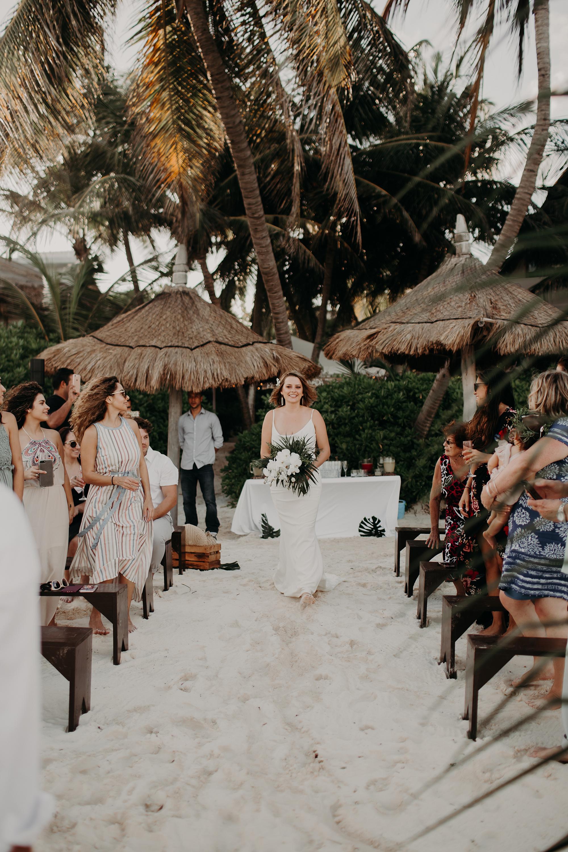 Danielle-San-Antonio-Wedding-Photographer-148_WEB.jpg