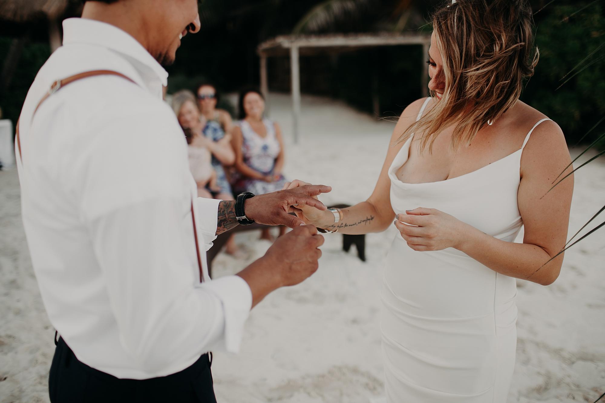 Danielle-San-Antonio-Wedding-Photographer-173_WEB.jpg