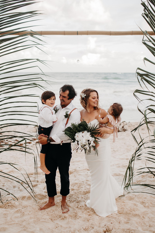 Danielle-San-Antonio-Wedding-Photographer-195_WEB.jpg