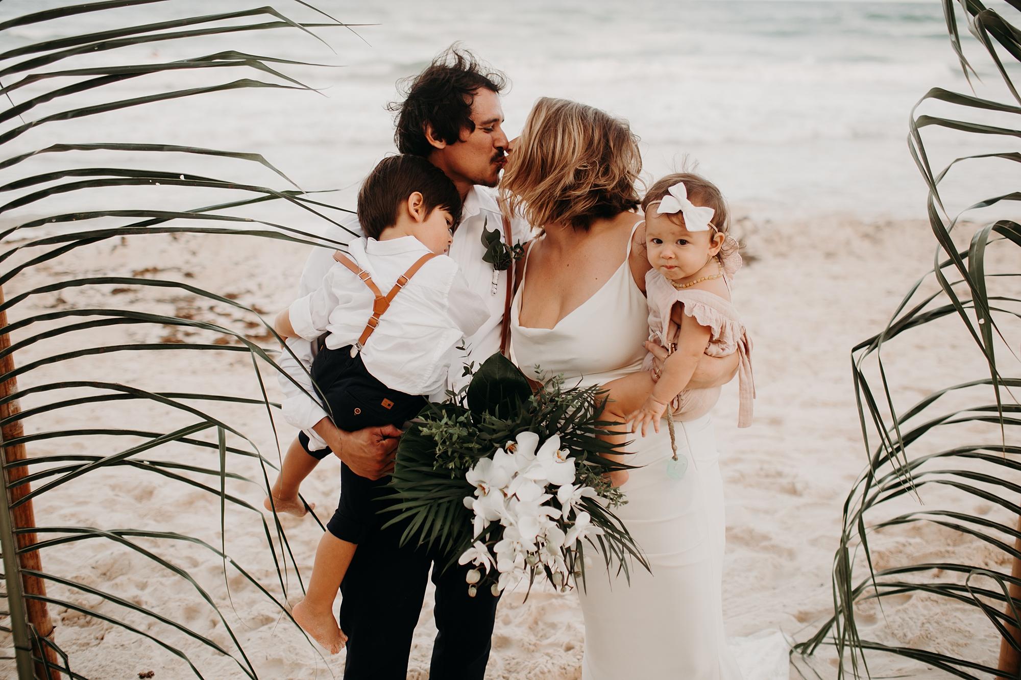 Danielle-San-Antonio-Wedding-Photographer-201_WEB.jpg