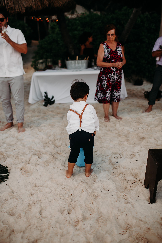 Danielle-San-Antonio-Wedding-Photographer-213_WEB.jpg