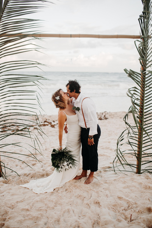 Danielle-San-Antonio-Wedding-Photographer-240_WEB.jpg