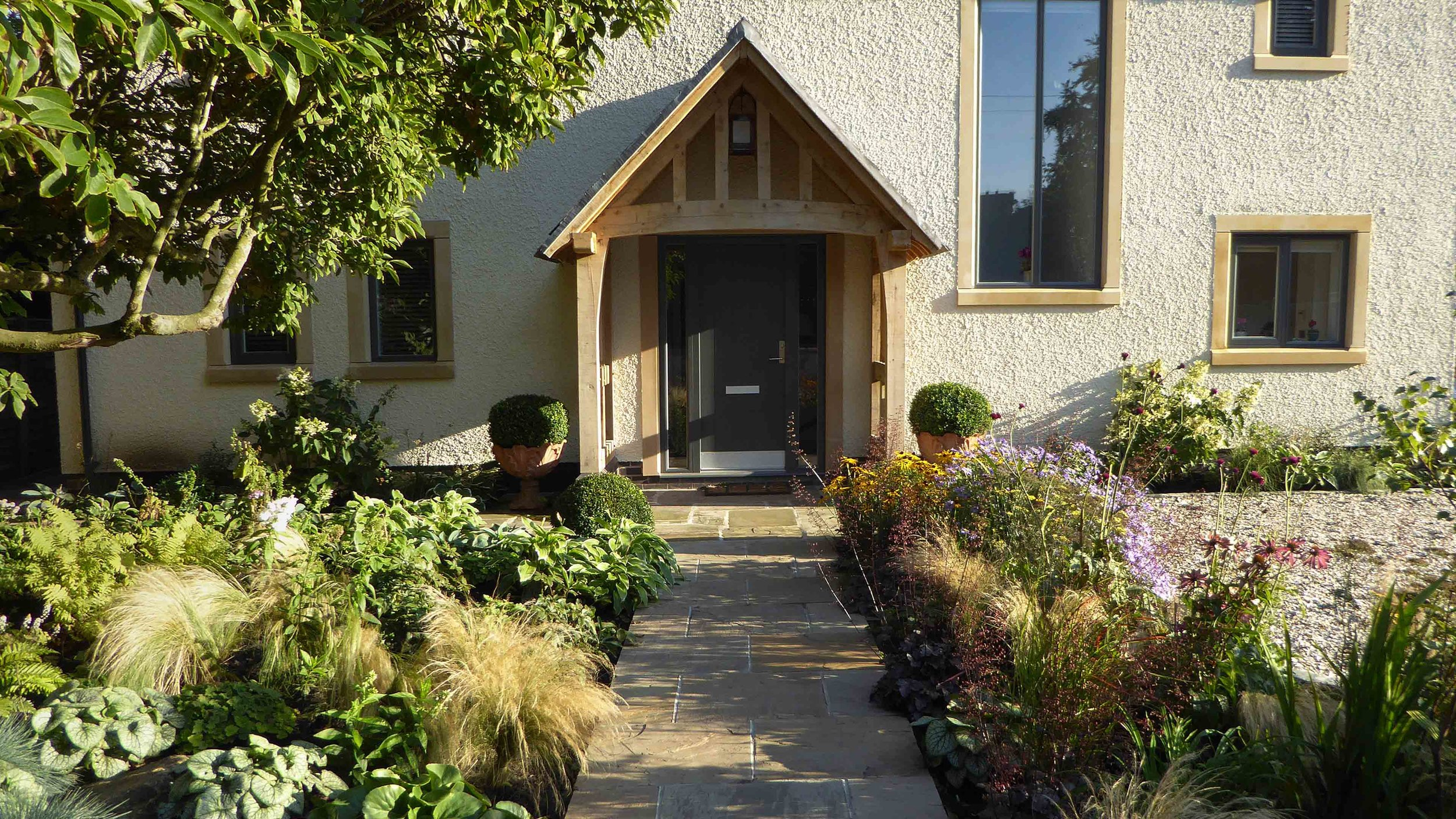 Cheshire Garden Design: The Sun and Shade Garden: Sun Anbd Shade Beds Split With Path