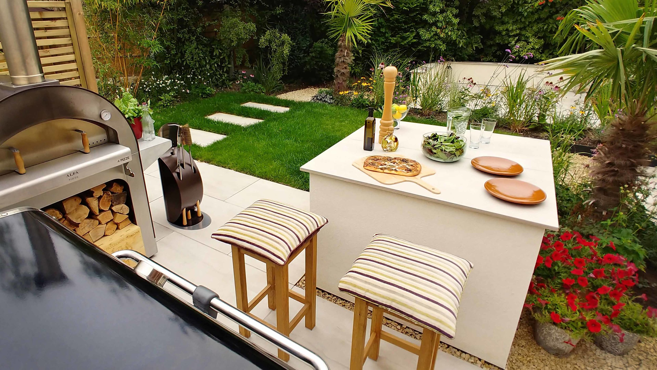 Garden Design Cheshire: Prairie Planting And Porcelain Patio: Outdoor Kitchen, Pizza Oven And Bar Area