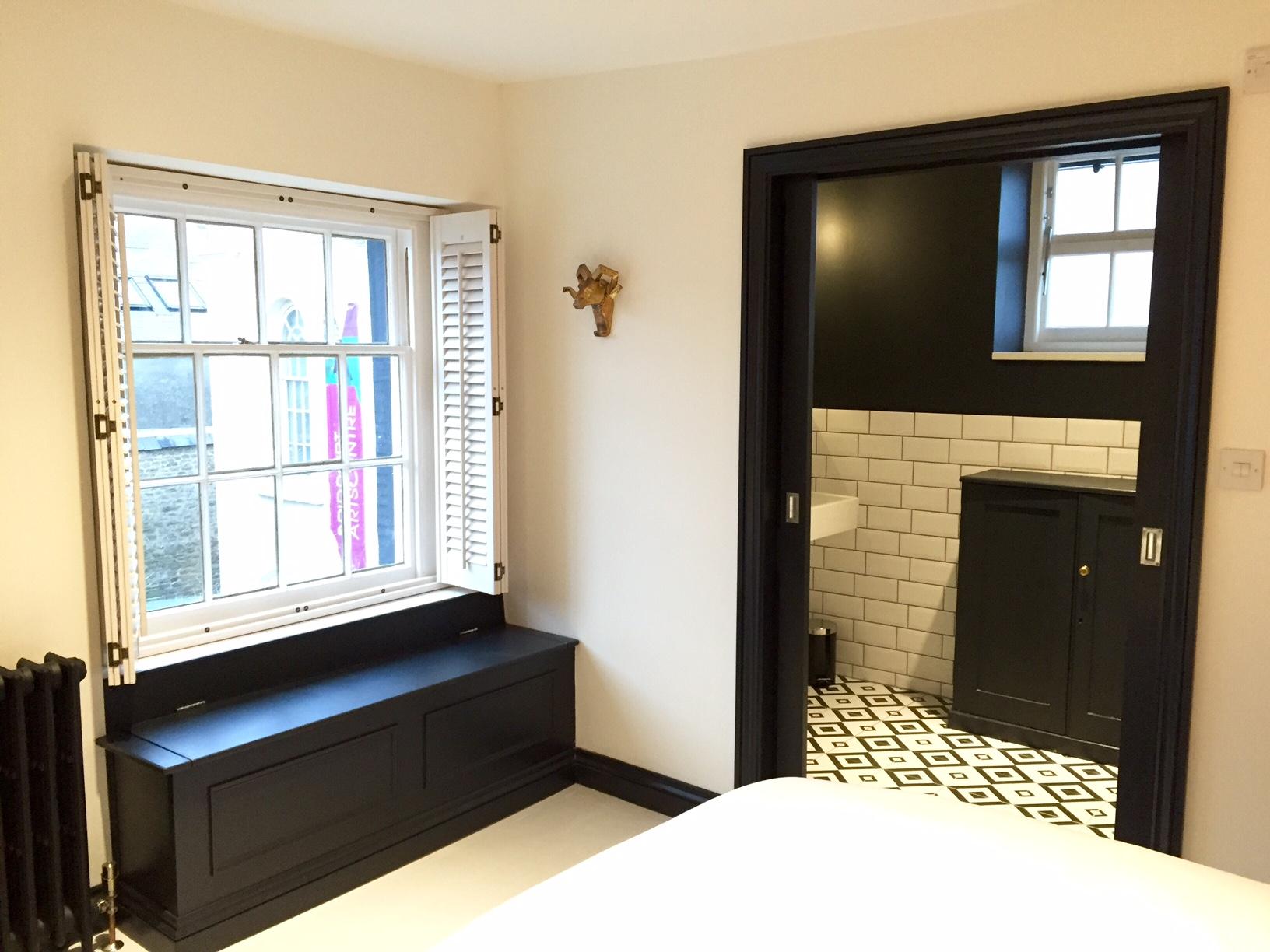 bedroom x3.jpg