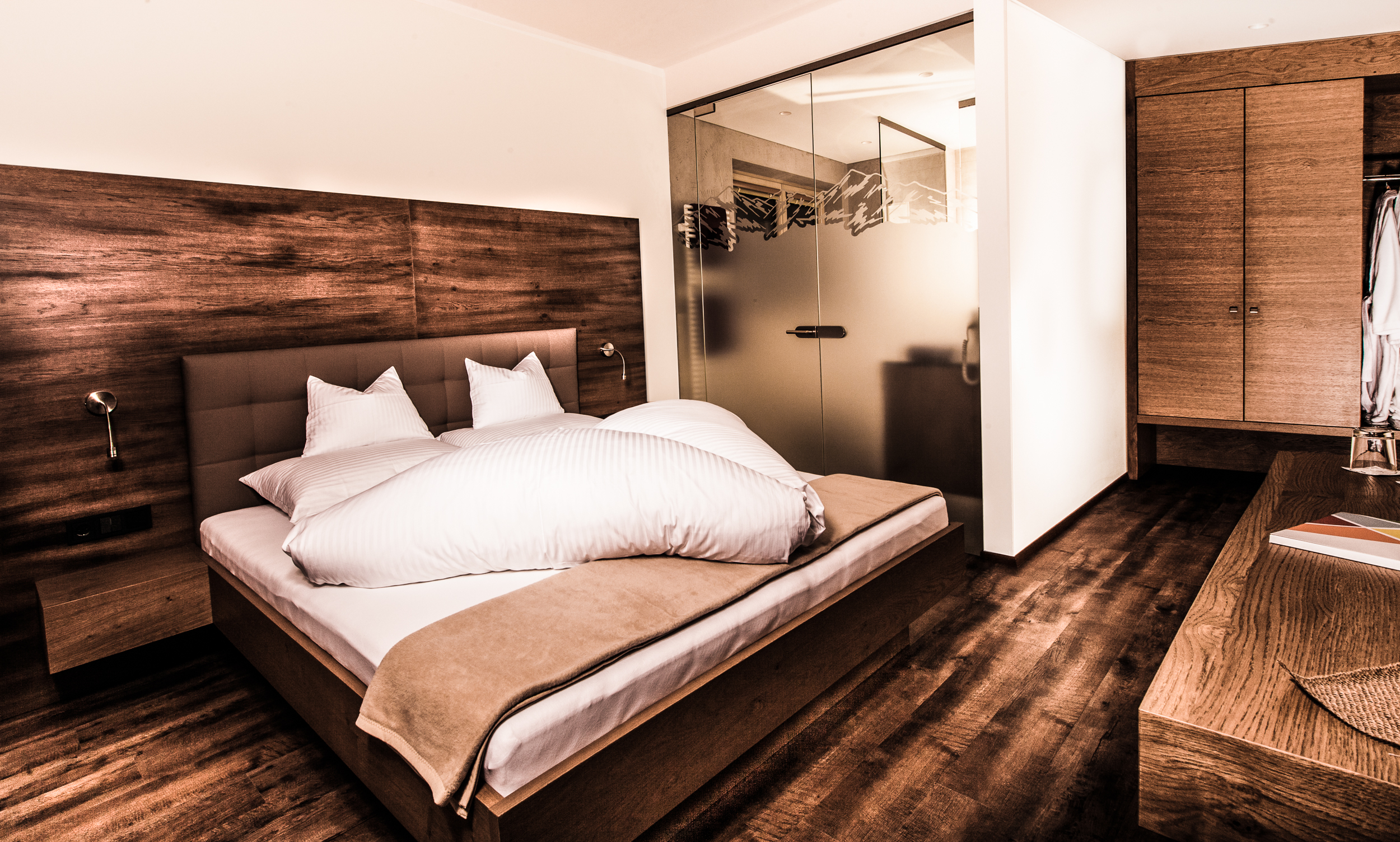 Appartement Tirol Schlafzimmer.jpg