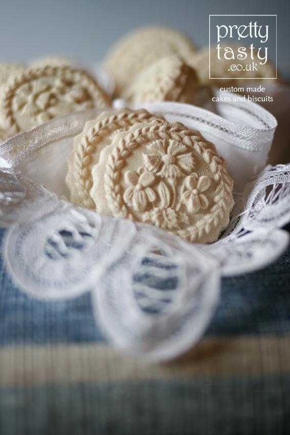 swiss-biscuits-enzian.jpg