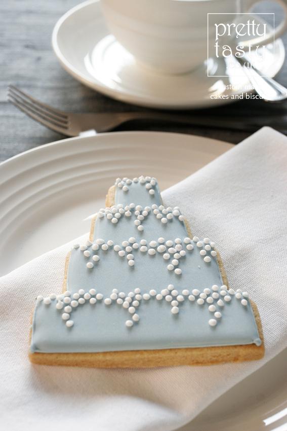 blue-cake-favour.jpg