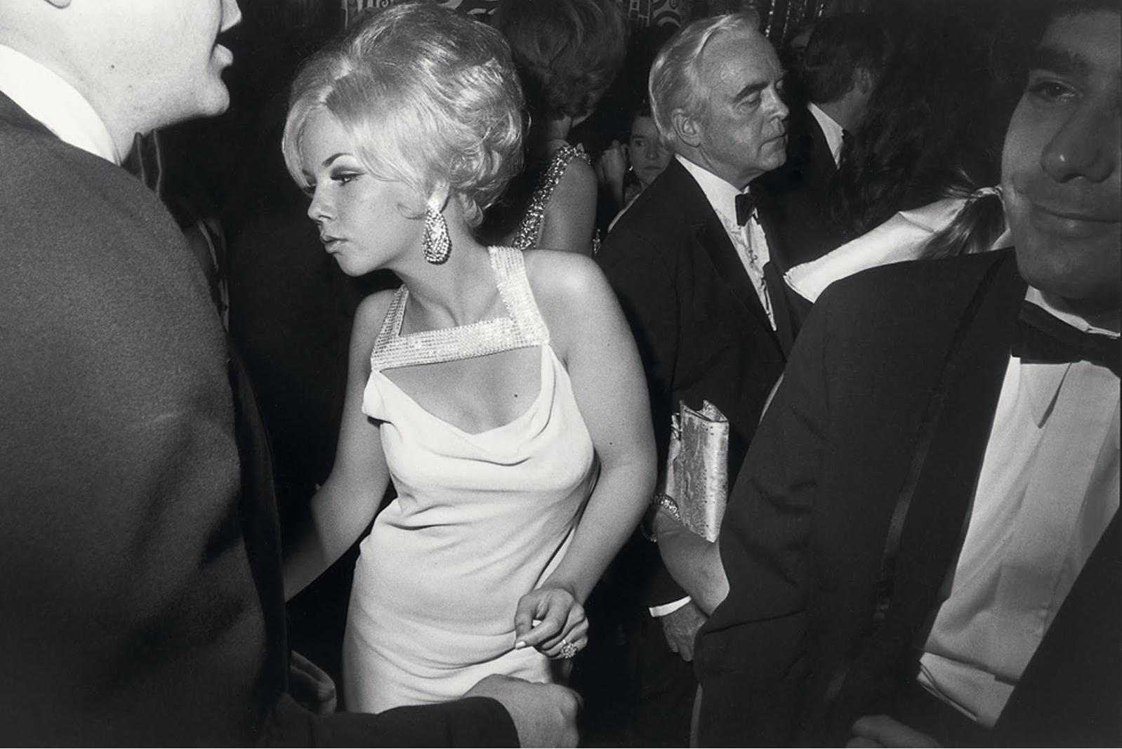 Garry Winogrand, Anniversary Ball, Metropolitan Museum of Art, New York, 1969 © The Estate of Garry Winogrand, courtesy Fraenkel Gallery, San Francisco