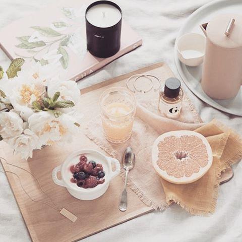 Breakfast in bed 🍳loving this spread from @goop #breakfast #healthyeating #morning