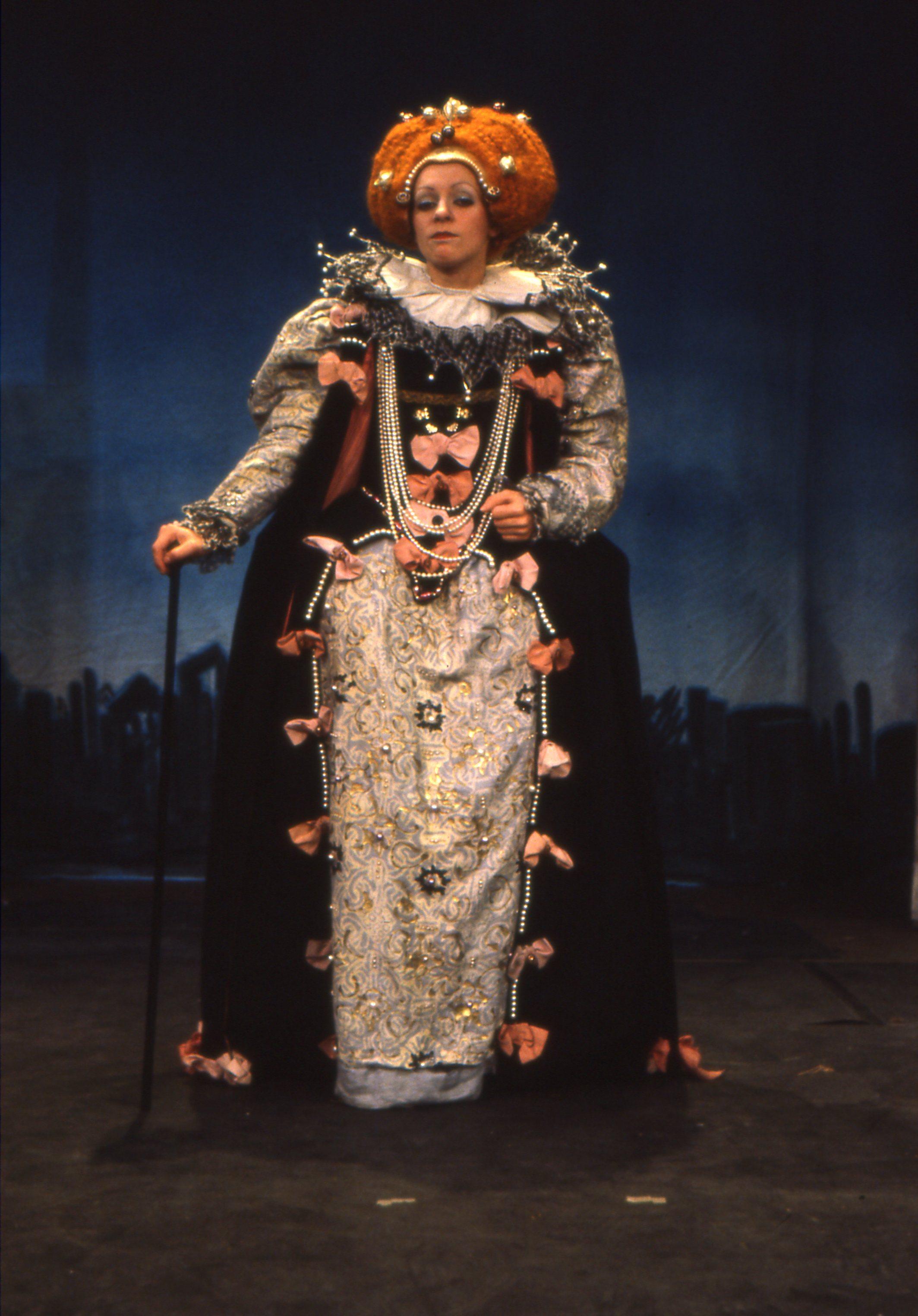 Konni Burger as Elizabeth I for Paradise Street