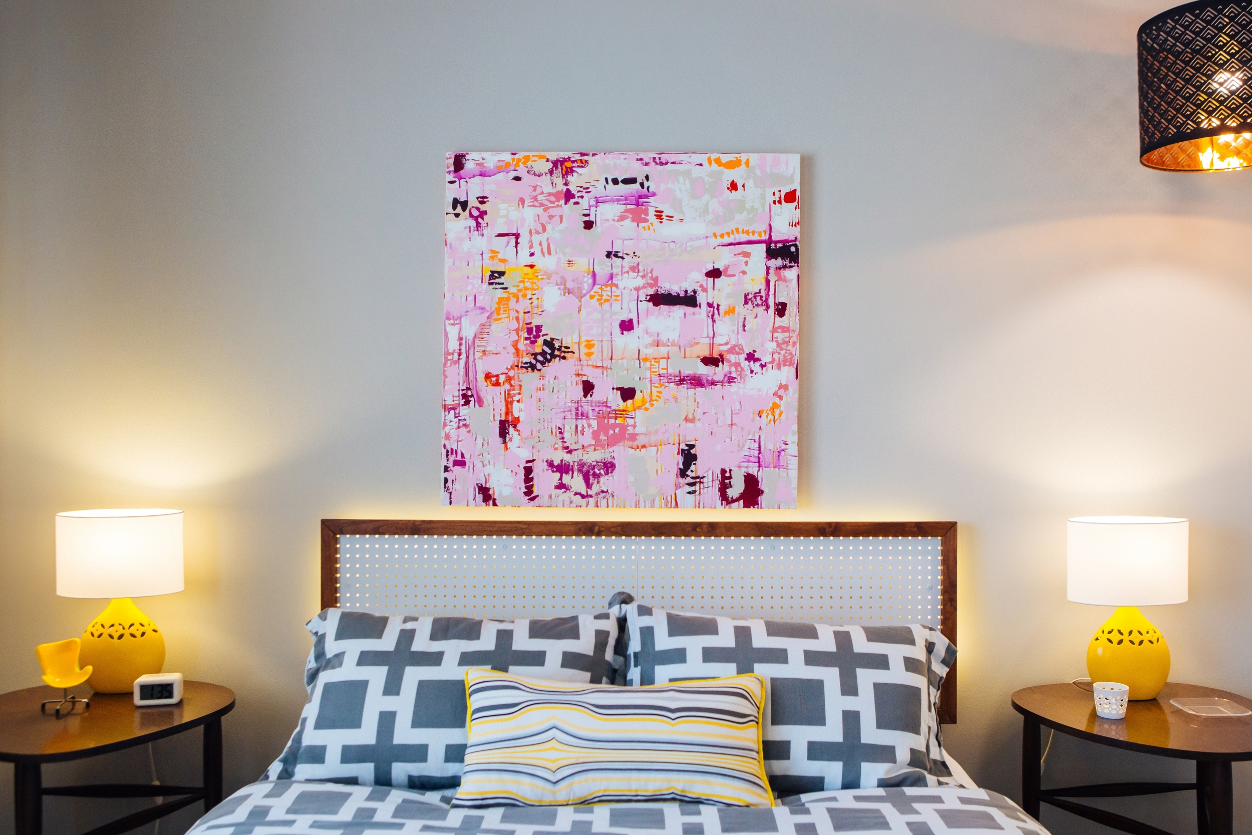 Abstract Artist Samantha Louise Designs | Photo By: Stacy Keck | Mid-Century Palm Springs: The Easmor