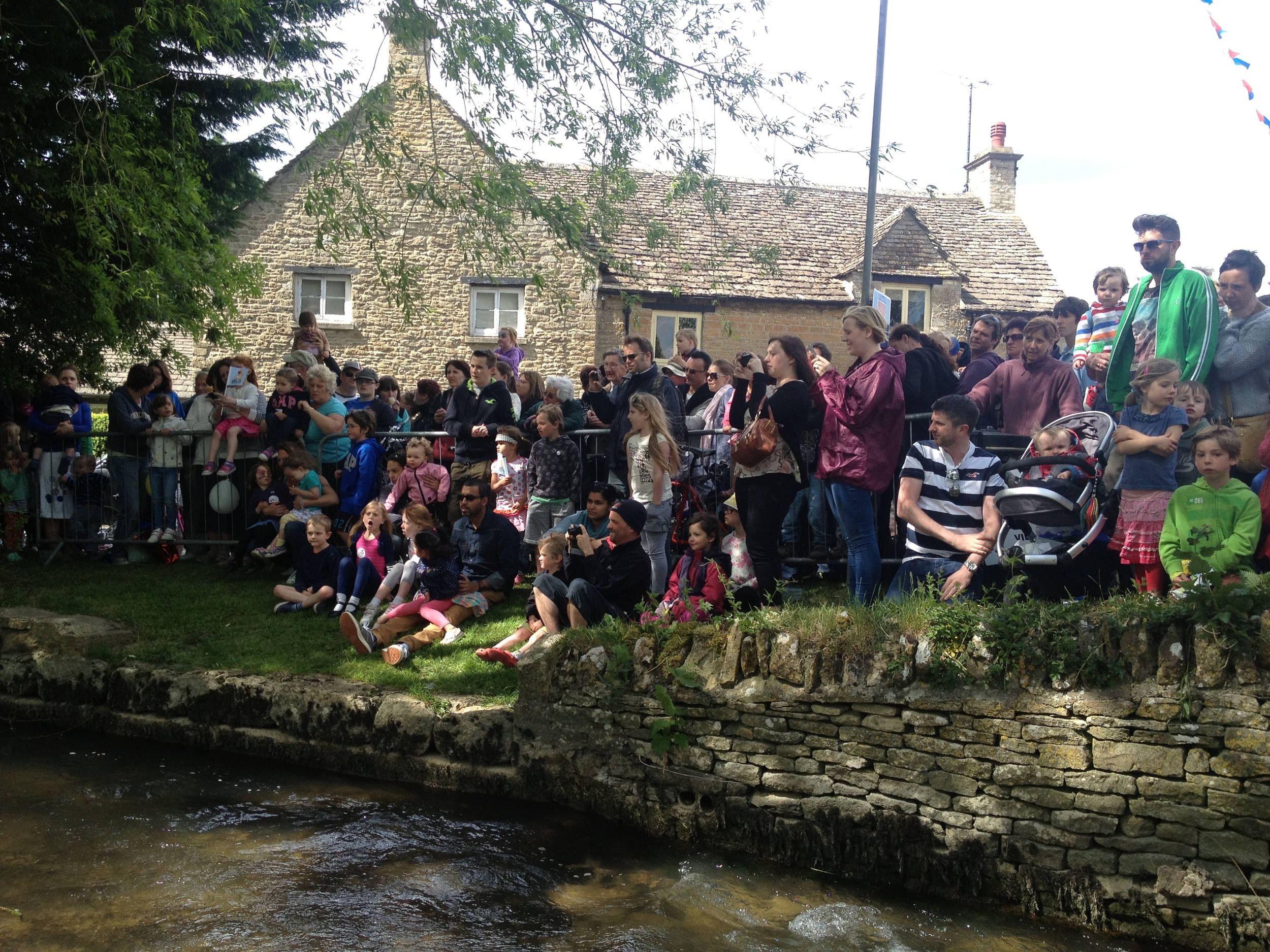 South-Cerney-Street-Fair-Duck-Race-Crowd-Scene