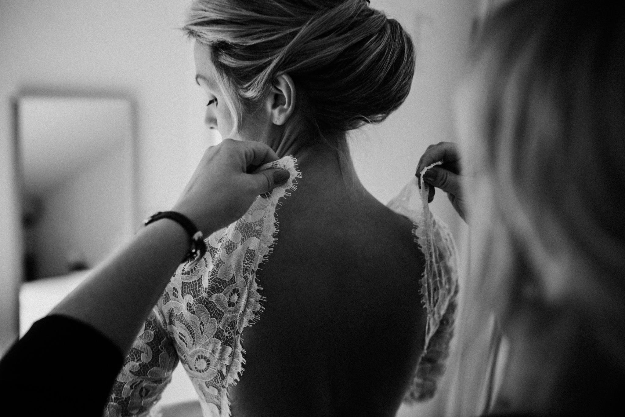 Schwarz Weiß Rücken der Braut
