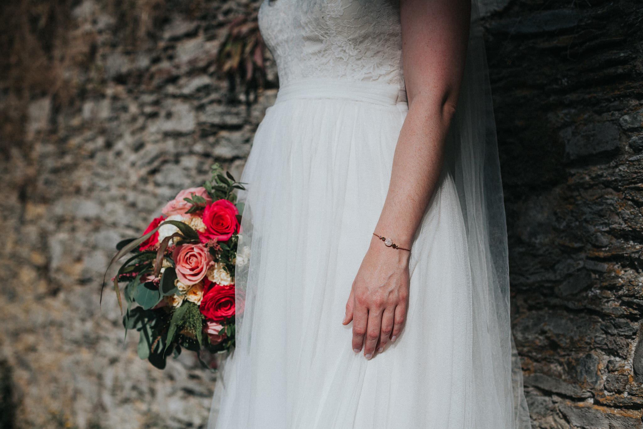 Braut mit Brautstrauß in Bonn