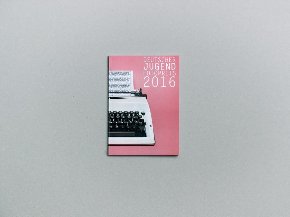Ausstellungskatalog: Deutscher Jugendfotopreis 2016
