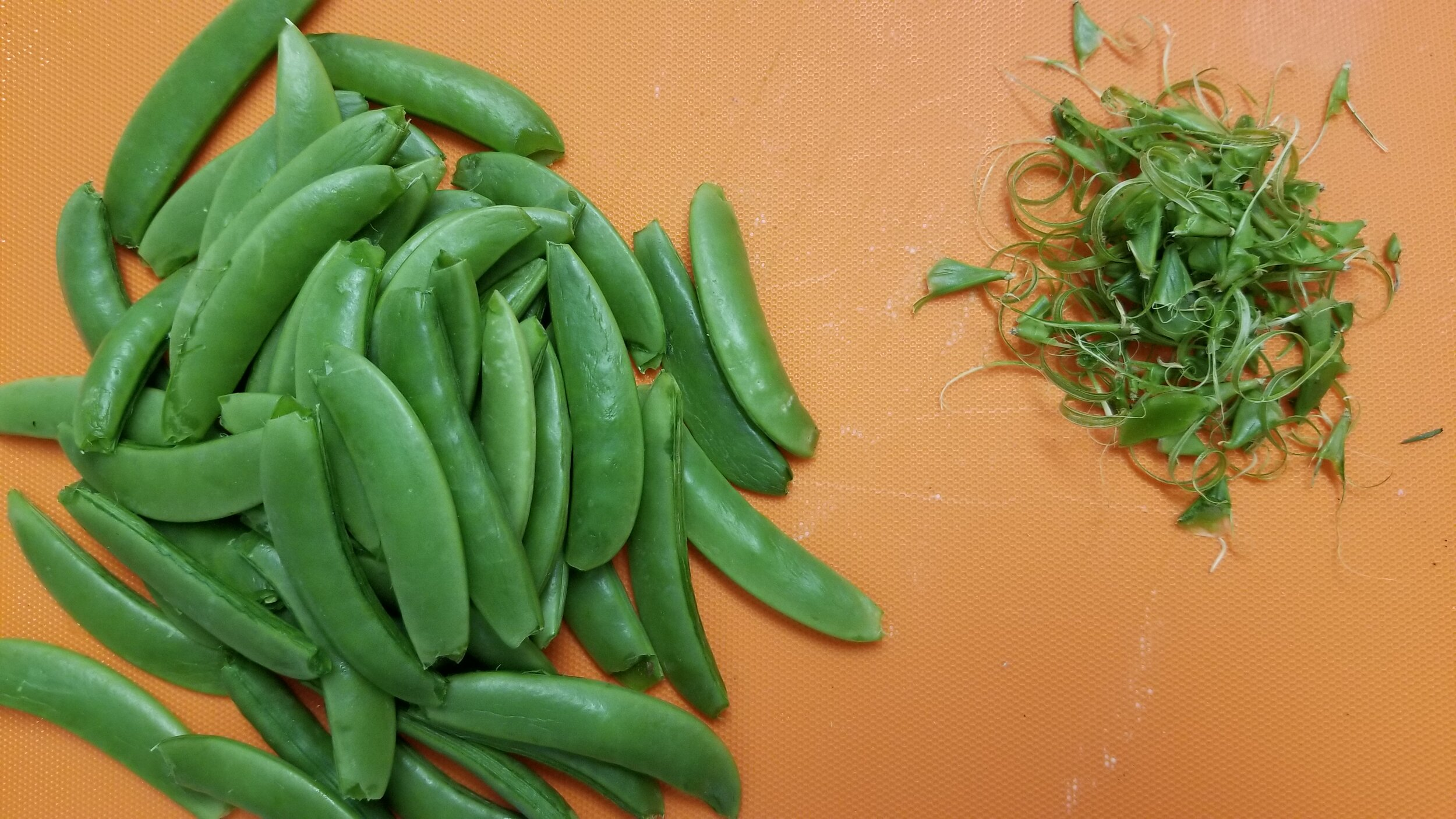 Sugar Snap Peas - String Removal.jpg