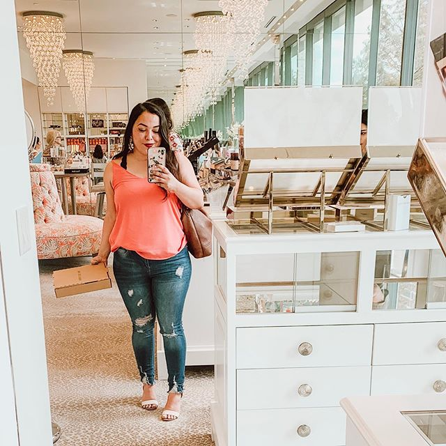 When the store is this pretty you take the mirror selfie ✨
