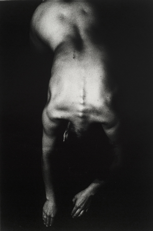 Rituels ( Le corps ) n˚ 4  Épreuve à la gélatine argentique  51 x 41 cm