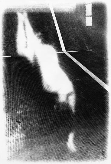 Rituels ( Le lieu ) n˚ 6  Épreuve à la gélatine argentique  25 x 20 cm