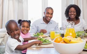 image family eating.jpg