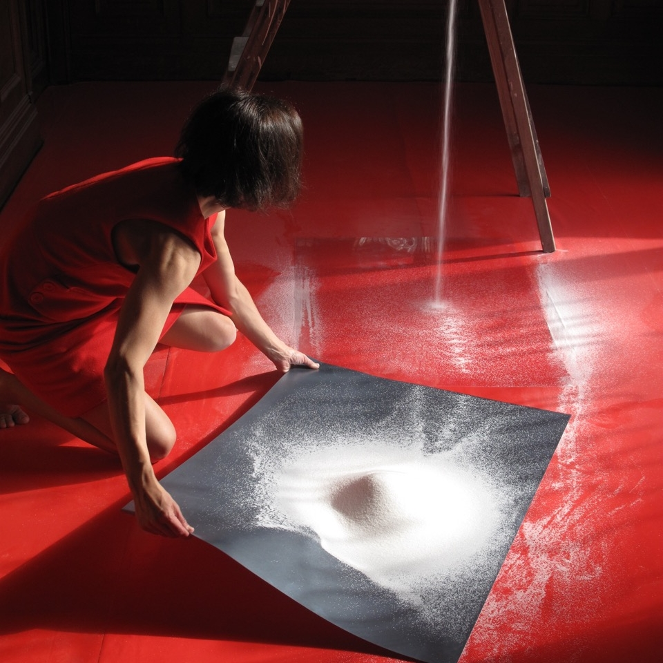 SOUS-CLÉ - installation & durational performance (2010)