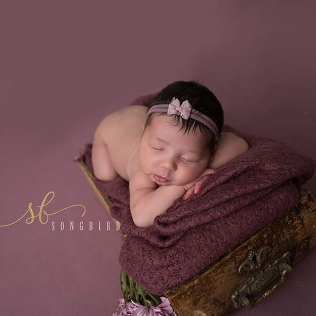 Liliana Grace is 4 weeks old today! Slow down time! . . . . #WinnipegNewborn #winnipegchildrensphotographer #newborn #purple #LilianaGrace #clickinmoms #mompreneur #SongbirdPhotography #blessed