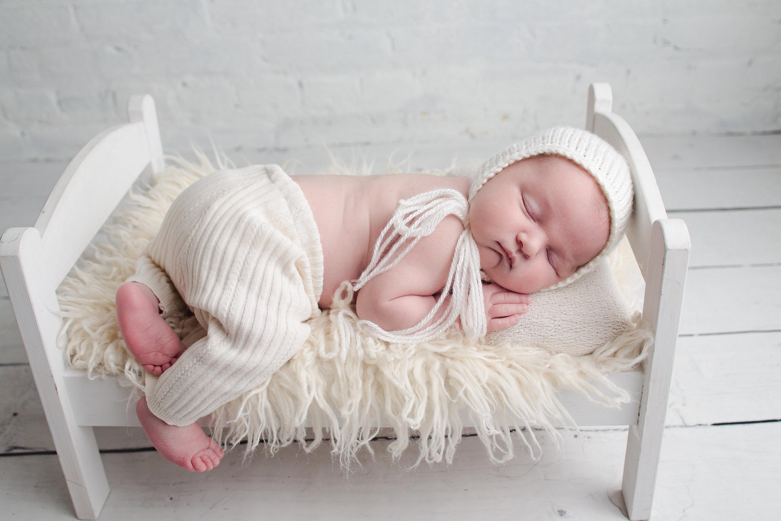 Alannah Ziesmann {newborn}019.jpg
