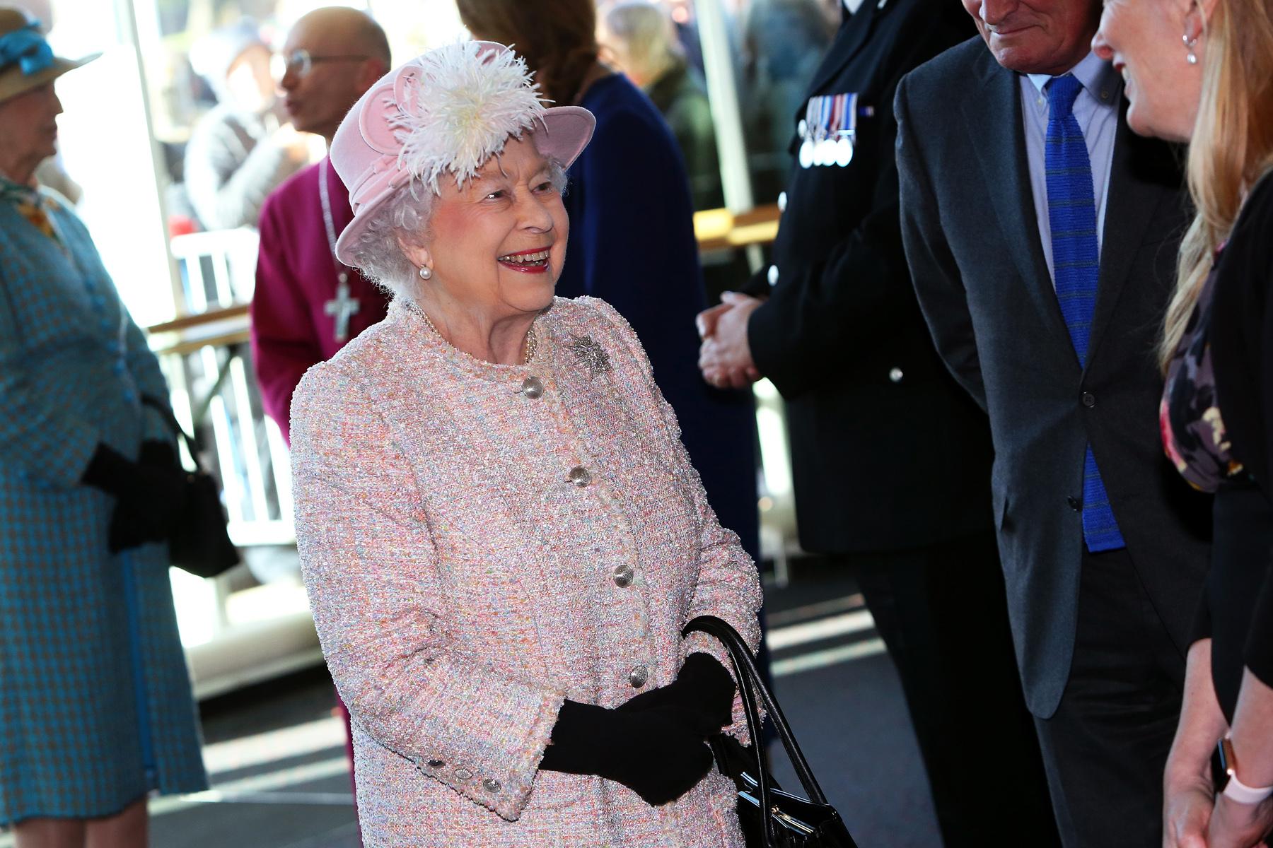 PR_Queen2.jpg