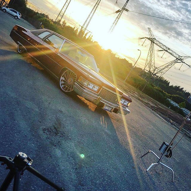 @Regrann from @bigtimers_rav - Sunday photo shoot vibez... 'Pimp Juice' is back!  @bigtimerscc @bigtimers_rav @cadillac @cadillac_connect @cadillacresource @cadillac_canada @cadillac_tippin @accuair @marchperformance @dubwheels  #bigtimerscc #cadillac #cadillacdevillecoupe #delegance #dubwheels #marchperformance #accuair #accuairsuspension #accuairelevel #photoshoot #pimpjuice #lac #bigrimproblems #gold #24kgold