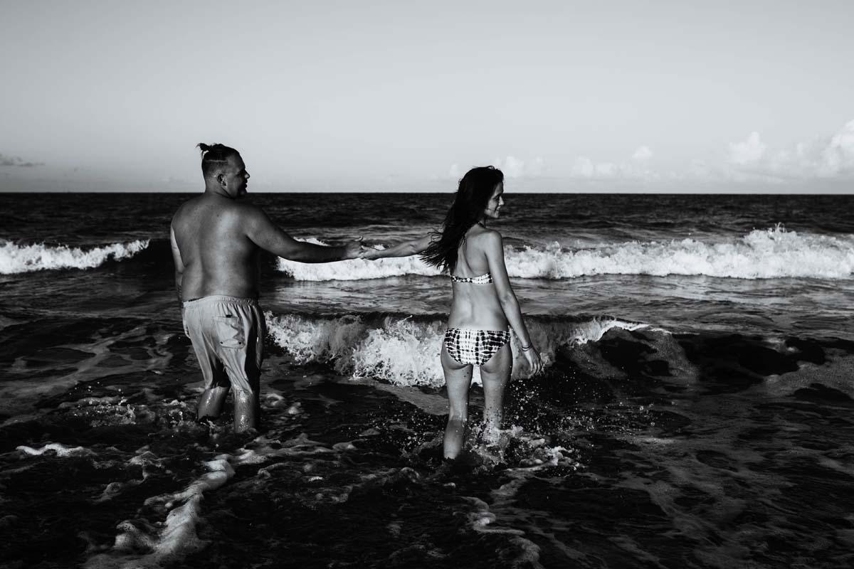 tybee-island-couples-session (10).jpg