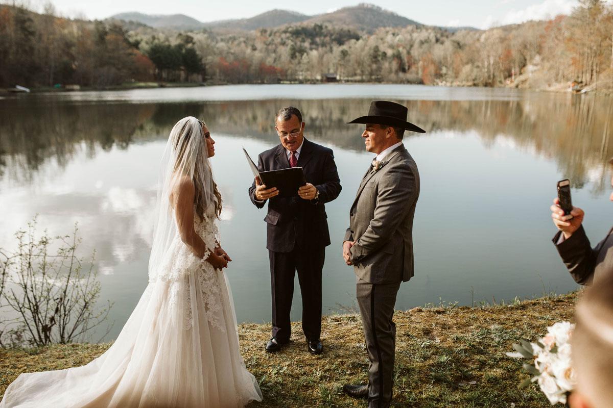 intimate-elopment-blue-ridge-georgia-north-georgia-wedding-photographers (48).jpg