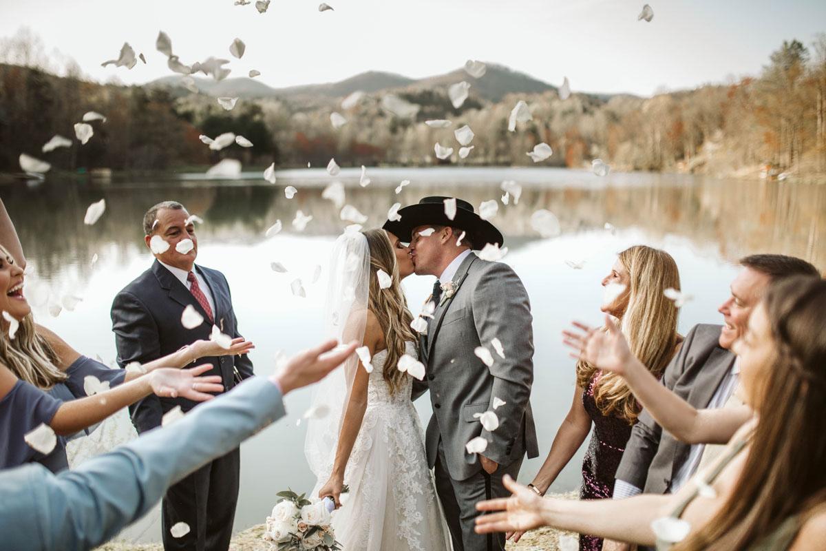 intimate-elopment-blue-ridge-georgia-north-georgia-wedding-photographers (54).jpg