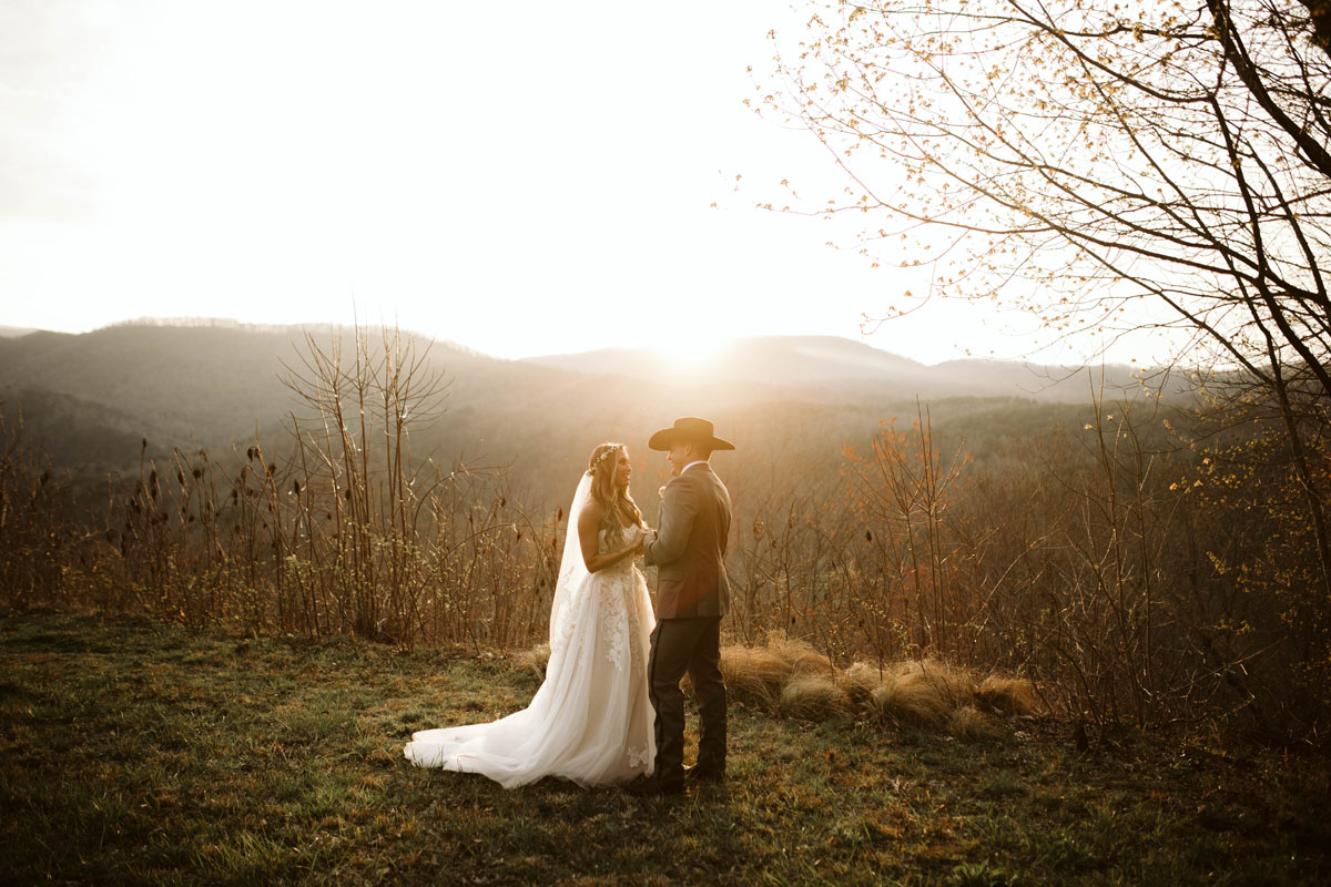 intimate-elopment-blue-ridge-georgia-north-georgia-wedding-photographers (57).jpg