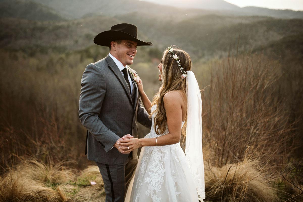 intimate-elopment-blue-ridge-georgia-north-georgia-wedding-photographers (68).jpg